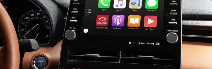 _1  Toyota USAさんはTwitterを使っています  「Two words  Apple  CarPlay  Finally  we know     NAIAS  Avalon https   t co FbKDVyZHz9」   Twitter